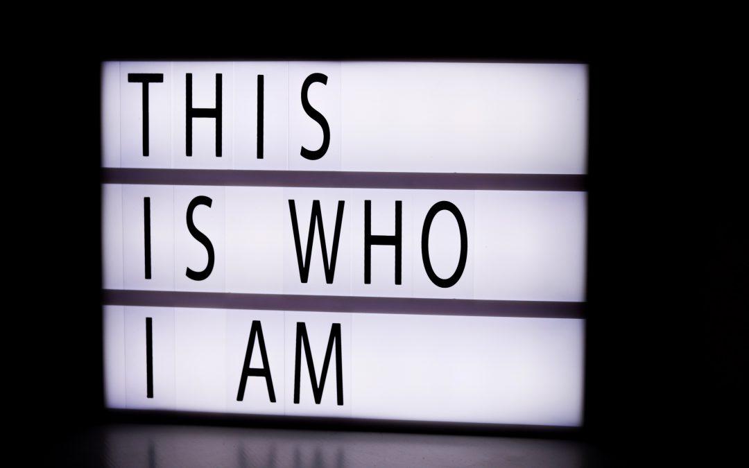 Na de kis vagyok én? – avagy hogy alakul ki az identitásunk?